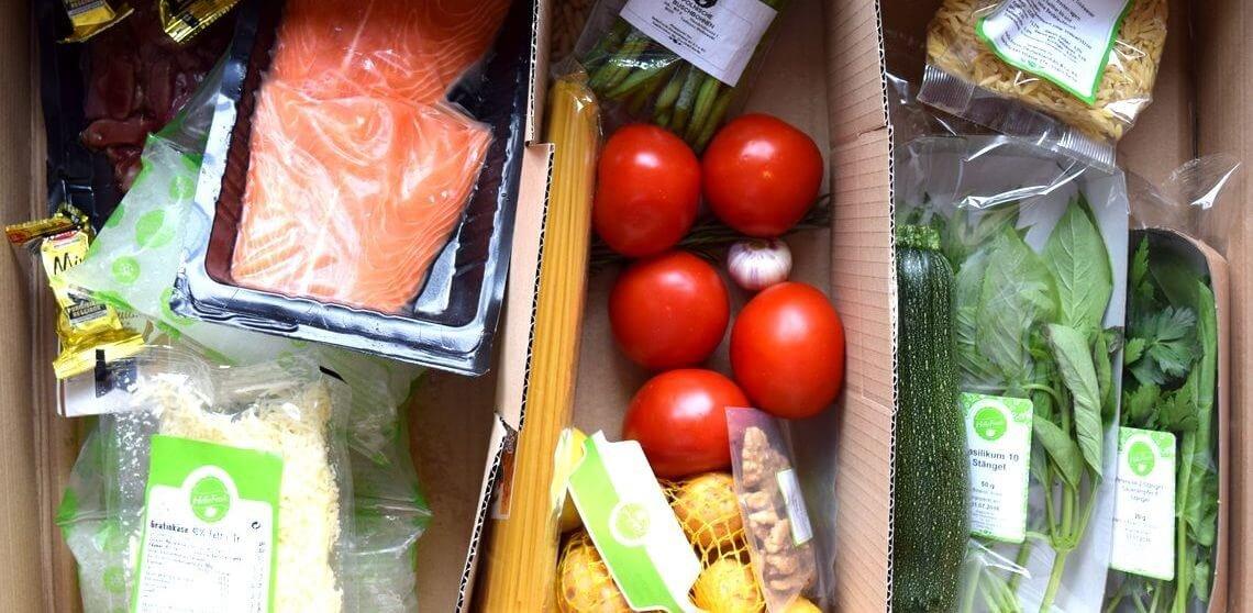 Gesammelte Lebensmittel eines HelloFresh-Pakets