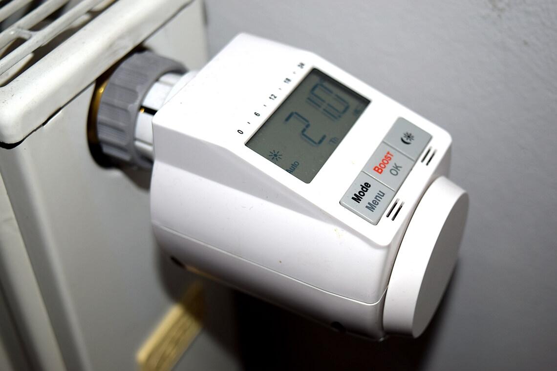 heizk rper thermostat auf deine wunschtemperatur. Black Bedroom Furniture Sets. Home Design Ideas